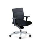 Champ 1C62 Bürodrehstuhl schwarz, mit Armlehnen,seitlich vorn