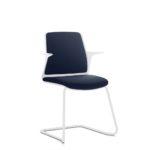 EVERYis1 582E Konferenzstuhl, Freischwinger, blau weiß mit Armlehnen, seitlich